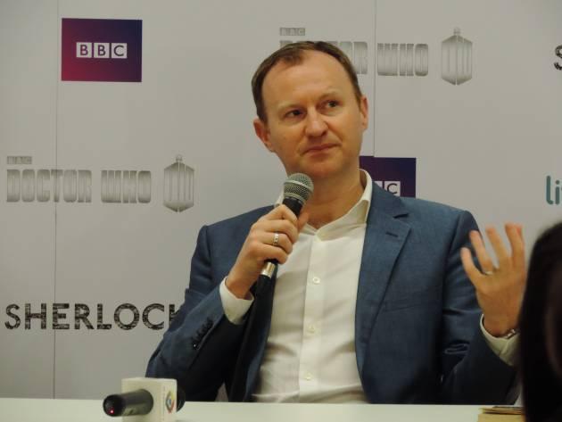 Sherlock | Mais de 800 fans lotam livraria em coletiva com Mark Gatiss