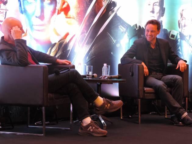 Os atores Patrick Stewart e James McAvoy participam de coletiva X-Men: Dias de um Futuro Esquecido em SP