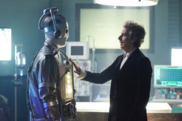 No próximo inédito de Doctor Who, teremos o primeiro encontro entre dois Mestres