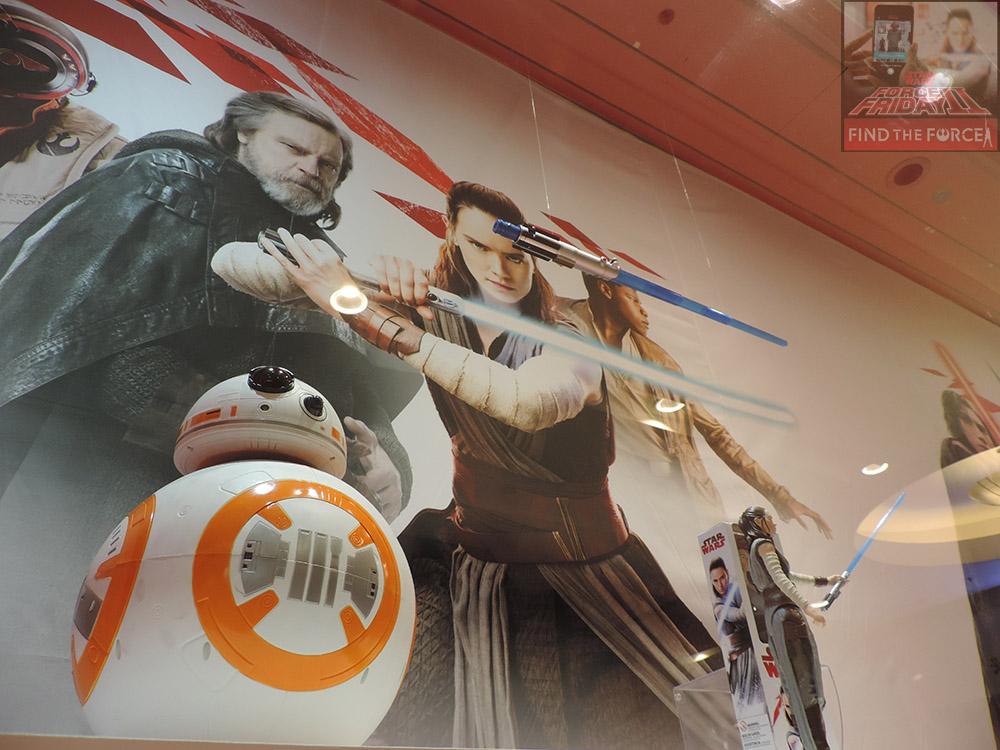 Star Wars | Fãs lotam loja para compra dos primeiros brinquedos da linha Os Últimos Jedi em SP