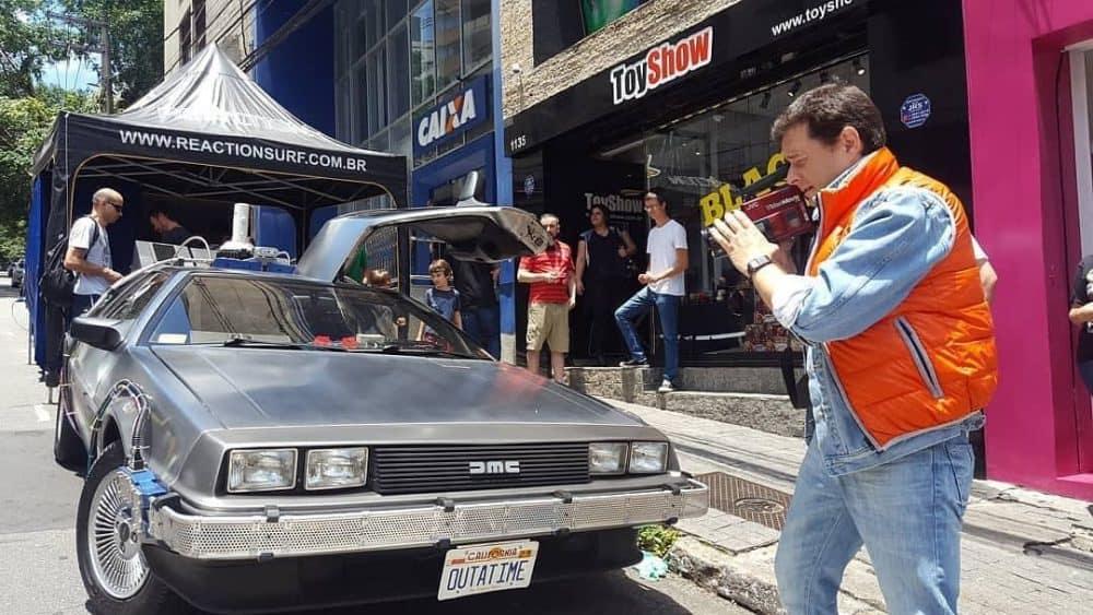 """Toyshow recebe DeLorean da saga """"De volta para o futuro"""""""