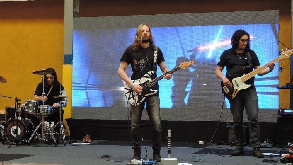 Entrevista | Trilha sonora é rock e cosplay para a banda Triscore