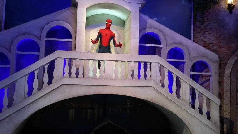 Estande da Sony tem cenário do Homem-Aranha