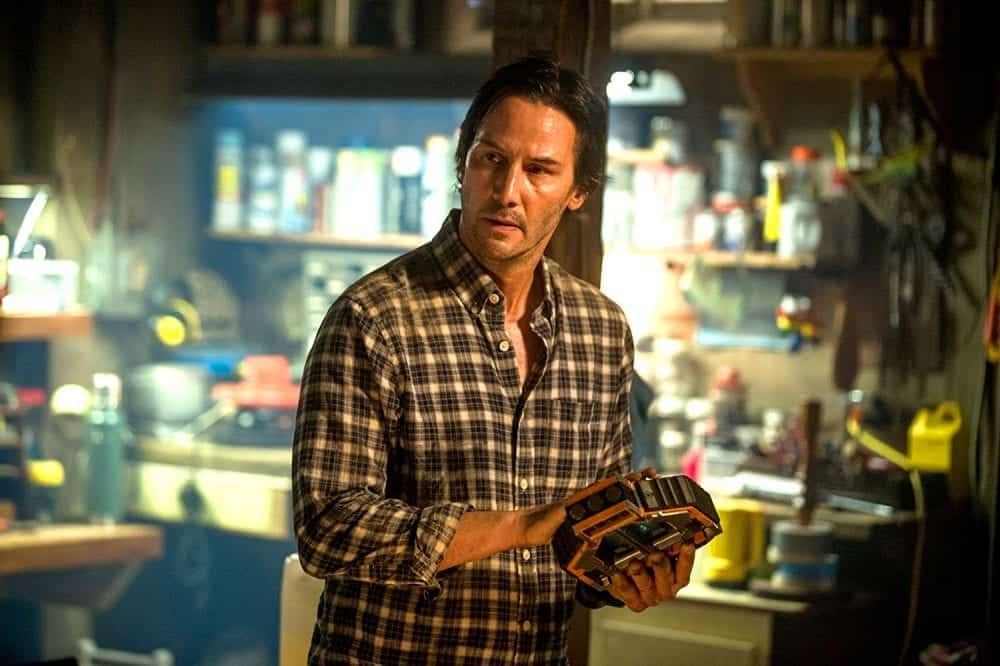 Keanu Reeves vive cientista inescrupuloso no trailer de 'Cópias – De Volta à Vida'