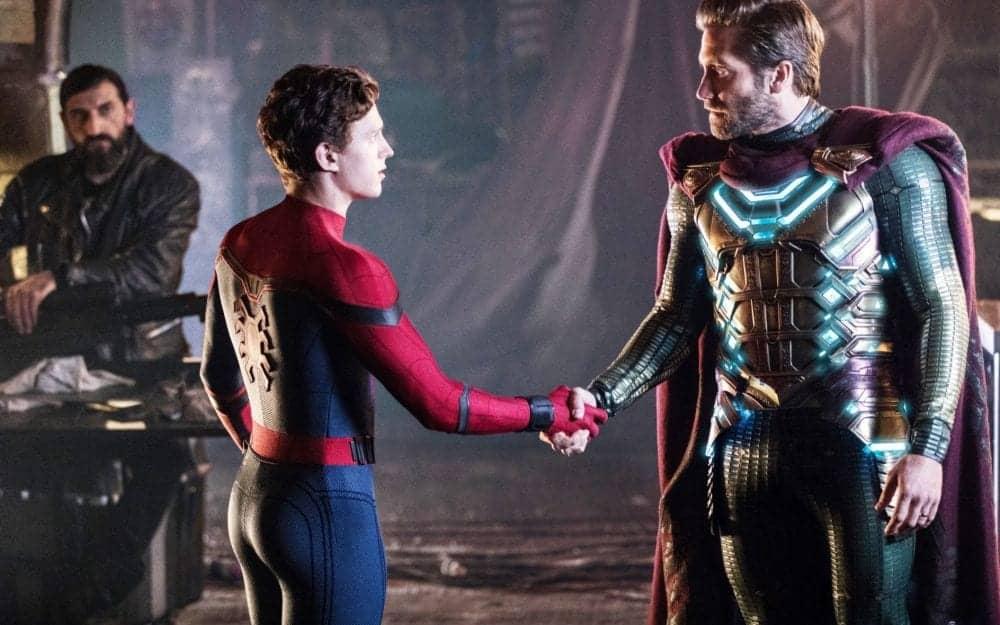 Mistério se torna o novo Vingador em trailer internacional de Homem-Aranha: Longe de Casa