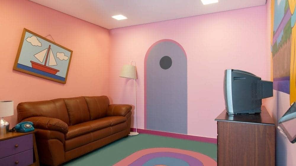 Loja da Mobly traz espaços inspirados em Friends, Simpsons e Toy Story