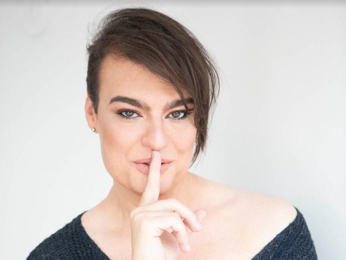Conheça o primeiro canal geek apresentado por uma Mulher Trans: Canal oQV by Aine