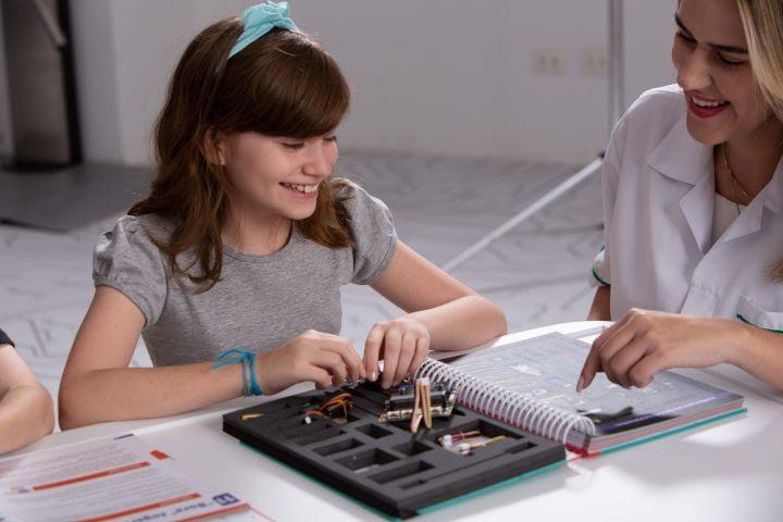 Projeto EstroGênias incentiva o protagonismo feminino na ciência e na programação