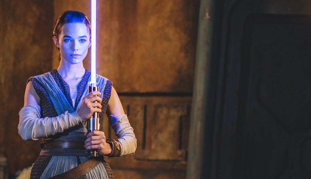 """Sabre de luz """"real"""" é mostrado pela Disney para divulgação de resort Star Wars"""