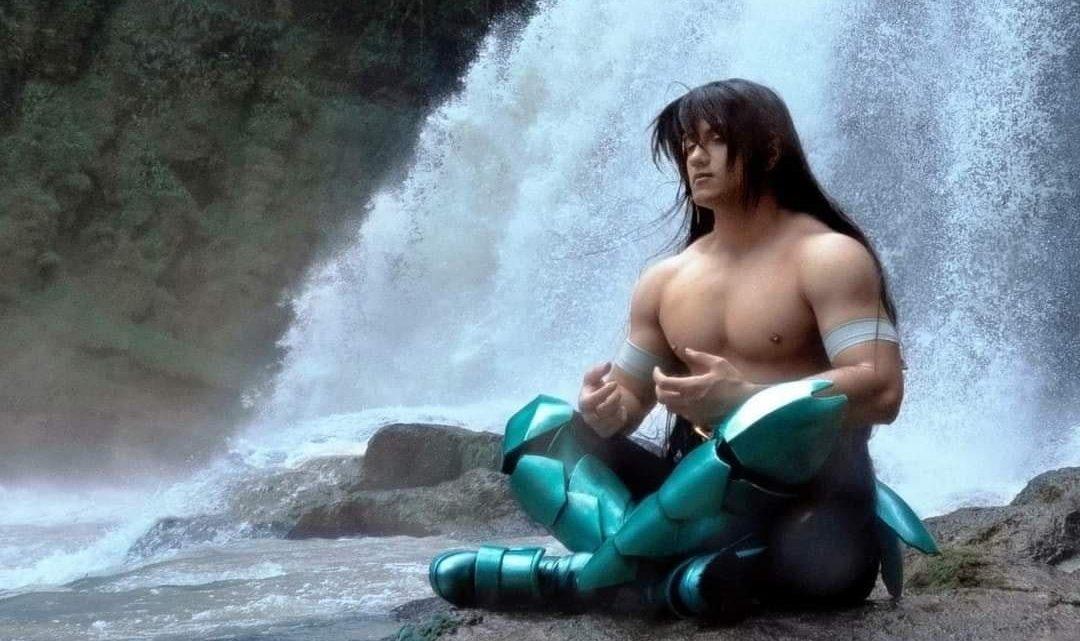 """Cosplay faz ensaio para lá de realista de Shiryu """"amigo"""" de Dragão"""